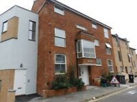 Lovely 2 bed flat on Stokes Croft-2 double bedrooms,separate lounge/kitchen,unfurnished