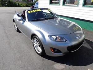 2010 Mazda MX-5 GX JUST IN TIME FOR SUMMER!