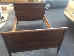TIGER OAK DOUBLE BED AND DRESSER