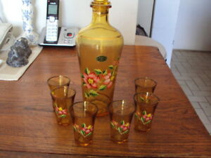AMBER GLASS DECANTER SET