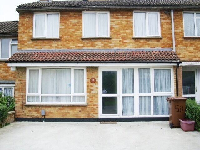 Large 5 bed 2 bathroom house in Hatfiled Close To College Lane Campus