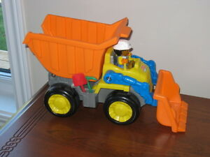 4 camions jouets