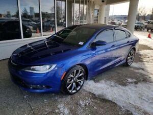2015 Chrysler 200 S V6 AWD; NAV, BACKUP CAM, HEATED SEATS/WHEEL,