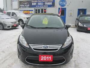 2011 Ford Fiesta SE  NO ACCIDENTS  NO RUST  LOADED WITH OPTIONS Kitchener / Waterloo Kitchener Area image 2
