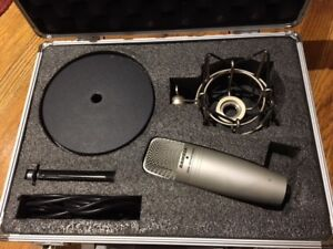 USB Studio Condenser Microphone - Samson C01U w accessories