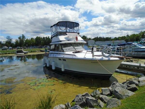 Used 1973 Trojan Yacht F32 Fly Bride