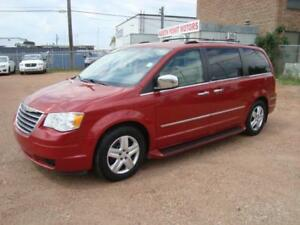 2009 Chrysler Town & Country Limited/ 2 DvDs/ Sunroof/ Grand Car