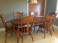 kitchen table with 6 chairs - Table a diner / manger et chaises