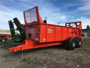 KUHN KNIGHT PS160 TRAILER MOUNT MANURE SPREADER (RENT OR BUY)
