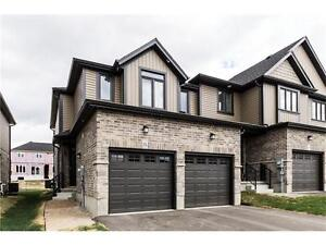 Beautiful Freehold End Unit Townhouse In Woodstock!