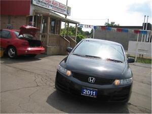 2011 Honda Civic Cpe SE - SUNROOF - 5 SPD.