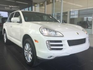 2010 Porsche Cayenne HEATED LEATHER. AWD, ACCIDENT FREE