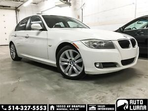 2011 BMW 3-Series 323i CUIRE/TOIT/KEYLESS/CONDITION IMPECCABLE!