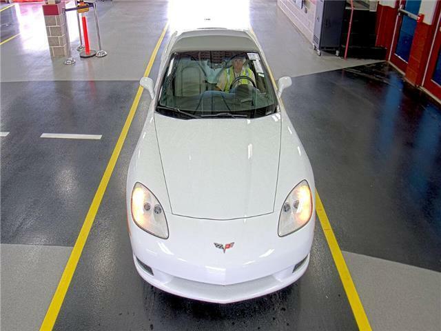 2006 White Chevrolet Corvette  3LT   C6 Corvette Photo 6
