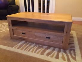 *PRICE LOWERED*Solid Oak coffee table/tv stand *Excellent Condition*