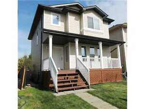 Pet friendly 3 bedroom, 2.5 bath house in leduc available now