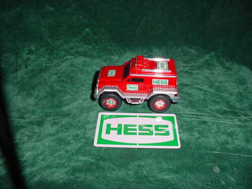 GRADUATION  DAY GIFT 2005 RED HESS RESCUE TRUCK CRUISER TOY TRUCK COLLECTIBLES