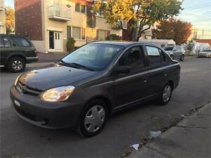 2004 toyota echo- AUTOMATIC- economic et fiable- 1400$  aubaine