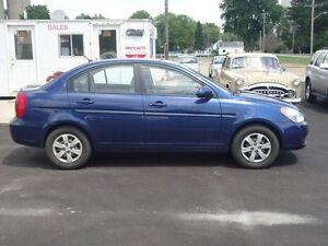 2010 Hyundai Accent GLS 4-Door Sarnia Sarnia Area image 4