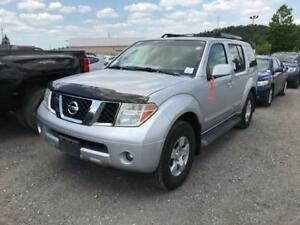 2005 Nissan Pathfinder 4X4  7 PASSENGER  DVD PLAYER