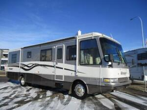 INSPECTED - 36' DAMON DIESEL PUSHER, SLEEPS 6, 102,000 kms