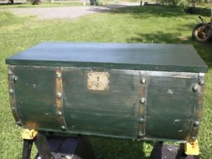 LIQUIDATION 50% OFF  SERPENTINE FOREST GREEN PINE BLANKET BOX WI