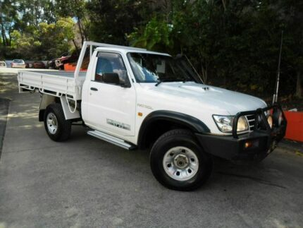2006 Nissan Patrol GU II ST White 5 Speed Manual Cab Chassis Ashmore Gold Coast City Preview