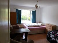 Nice twin room to rent -share or private- in All saints, all bills included, free WiFi, ID: 359