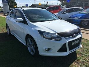 2012 Ford Focus LW Titanium Frozen White 6 Speed Automatic Sedan Young Young Area Preview