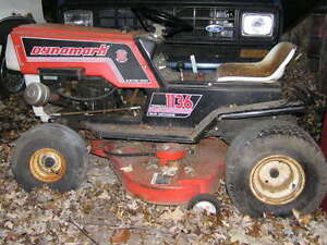 Wanted: Looking for lawn Tractors
