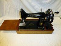 Singer Sewing Machine Hand Crank. Circ 1958 Model 99K EN018590