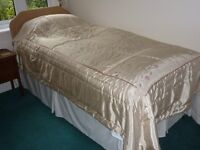 single divan bed with storage drawers in the base