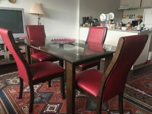 Clear Glass Top Dining Set with solid Wood Legs + 4 Chairs