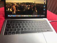 Selling MacBook Pro Touchbar 2.9ghz i5 8GB RAM 256GB Space Grey
