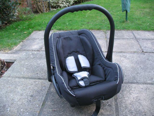 Venicci Car Seat Baby Carrier In Surbiton London Gumtree