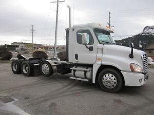 2011 Freightliner Cascadia w/lift axle