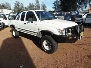 2003 Toyota Hilux VZN172R (4x4) White 5 Speed Manual Extracab Homebush West Strathfield Area Preview