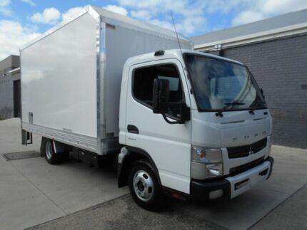 2011 Mitsubishi Fuso CANTER DUOTRONIC White Truck 3.0l
