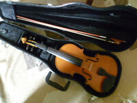 Stentor II fullsize violin outfit -as new condition...at less than 1/2 new price (RRP £228))