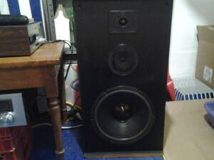 KLH PRO REFERENCE DYNAMIC SPEAKERS
