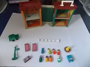 HARD TO FIND - FISHER PRICE SESAME STREET PLAY FAMILY LOT 938 JS