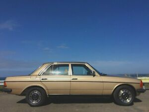 1983 Mercedes-Benz 230 W123 E Champagne Gold 4 Speed Automatic Sedan Norlane Geelong City Preview