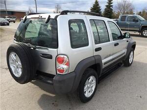 2004 Jeep Liberty Sport 4x4! BRAND NEW TIRES & BRAKES! A/C! London Ontario image 4