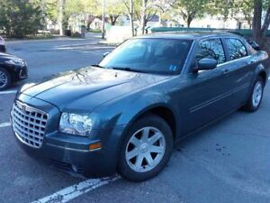 2005 Chrysler 300 in Excellent Condition