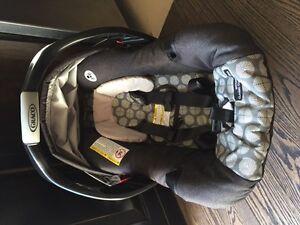 Car Seat - siège de bébé  Graco Gatineau Ottawa / Gatineau Area image 1