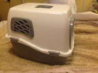 Cat litter tray box with hood £10