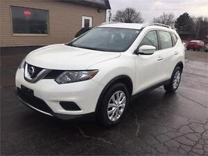 2015 Nissan Rogue S CLEAN, ONLY 28KM