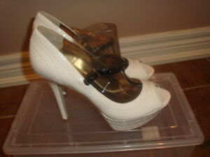 Brand New !! Guess High Heels