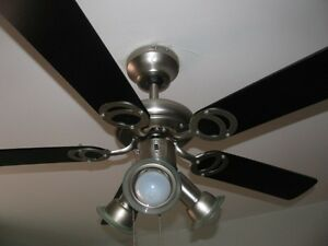 Ventilateur de plafond avec lumieres - Ceiling Fan with lights