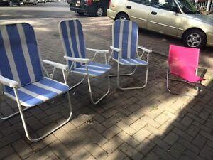 Chaises pliantes / foldable chairs for sale